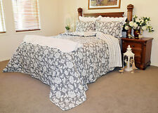 Quilts Coverlet King Size 245cm x 265cm Grey & White Includes 2 Pillowcase