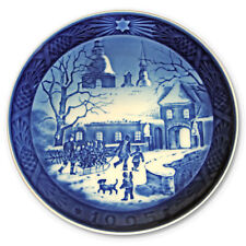"1995 Royal Copenhagen Christmas Plate. ""Christmas at the Manor House"""