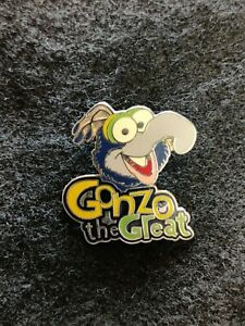 Disney Cast Lanyard Muppets Lot of 2 Pins 2005 Fozzie Bear & Gonzo the Great