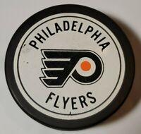 PHILADELPHIA FLYERS NHL VINTAGE OFFICIAL VICEROY MFG. HOCKEY PUCK - CANADA