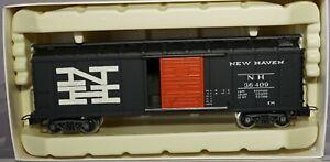 """VINTAGE RIVAROSSI HO MODEL No. 2238 """"NEW HAVEN"""" BOX CAR"""