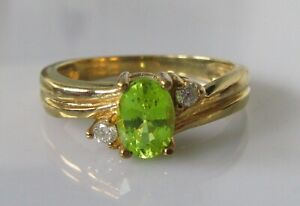 9ct Gold Ring - 9ct Yellow Gold Green Chrysoberyl & Diamond Ring Size N