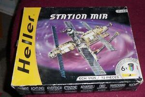 Heller 71262  1:125 Station Mir  Model Kit internally new