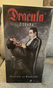 SIDESHOW EXCLUSIVE DRACULA vs RENFIELD STATUE 384/500 Sealed New
