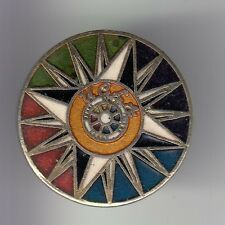 RARE PINS PIN'S .. SPORT CHAUSSURE SHOES SPORTSWEAR UCLA ART UNIVERSITY USA ~DG