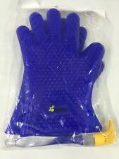 Bee Sili Silicone BBQ Grill Gloves / Pot Holder / Oven Mitts. W/ Baster Brush