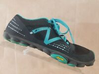 New Balance Minimus Womens Running Shoe Size 6 Black Blue Training Shoe