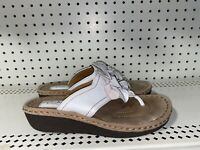 Clarks Artisan Womens Leather Wedge Thong Sandals Slides Size 8.5 White Floral