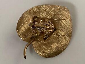 Vintage Estate Cellino 14k Yellow Gold w/Natural Ruby Eyed Frog on Leaf Brooch