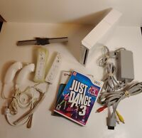 Nintendo Wii Console Model RVL-001(USA) Bundle with 2 Games and 2 Controllers