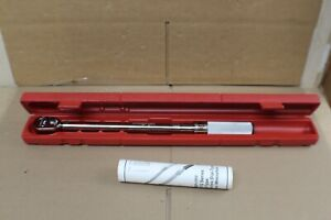 """SNAP ON 1/2"""" Adjustable Fixed-Ratchet Click-Type Torque Wrench 30-150 ft-lb"""