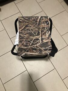 Mossy Oak Field Hunting Folding Seat W/ Storage Bag & Carry Strap. NWOT