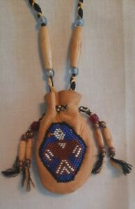 Vintage NATIVE AMERICAN INDIAN Beaded LEATHER Pouch MEDICINE BAG W/ Charm.