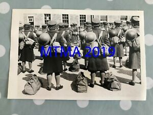 WW2 PRESS PHOTOGRAPH - BRITISH ATS GIRLS DURING KIT INSPECTION IN 1945