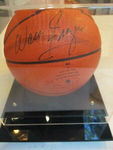 Walt Frazier NY Knicks Autographed NBA Basketball In Acrylic Display Case