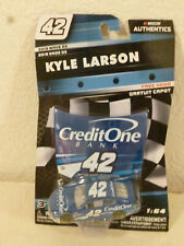 #42 KYLE LARSON CREDIT ONE HOOD 2019 WAVE-03 LIONEL NASCAR AUTHENTICS 1/64