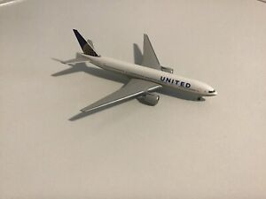 Herpa 1:500 United Airlines B777-200