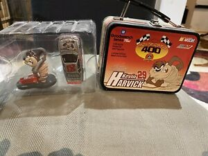 Kevin Harvick #29 Looney Tunes Taz 1:64 Car & Figure Goodwrench lunch box