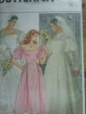 Vintage wedding dress with train    size 12