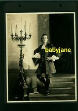 RUDOLPH VALENTINO VINTAGE 7X9  PHOTO 1924 MONSIEUR BEAUCAIRE IN PERIOD COSTUME