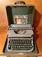 Vintage Underwood 'CHAMPION' Portable Typewriter, Case & Instructions