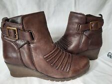 "Lotus Leather Ankle Boots Size 6 2"" Heel"