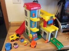 VINTAGE 1999 FISHER PRICE  LITTLE PEOPLE FUN SOUNDS GARAGE