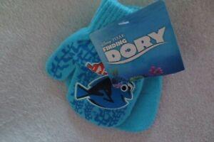 Disney Pixar Finding Dory Mittens Winter Wear New