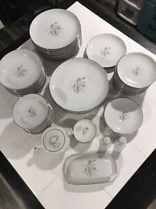 Creative Royal Elegance Fine China Japan Variety of Pieces, you choose