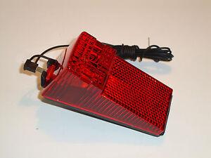 Fanalino posteriore al parafango a dinamo con filo e lampadina.BTA brand