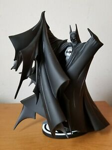 Low Number 1st Version #057 Batman Black and White Statue Todd McFarlane