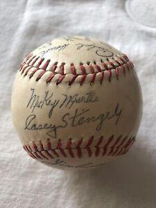 New York Yankees Facsimile 27 Autographed Souvenir Baseball - Mantle Berra 1958?