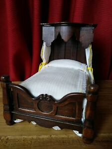 AMAZING DETAIL VINTAGE VICTORIAN BED DOLLHOUSE FURNITURE MINIATURES SIGNED LE 25