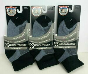 3 Pairs Of Small WrightSock CoolMesh Double Layer Crew Socks Black/Gray