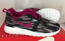 Nike Roshe Athletic shoes One Flight Weight GS Sneakers black pink size 7Y