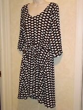 Collective Concepts Black & Cream Diamond Patterned Tie Waist 3/4 Sleeve Dress L