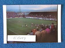 """Las casas de fútbol 6""""x4"""" Tarjeta Postal-MADRID-tan Cerca Tan Lejos 1991"""
