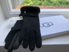 UGG SHEEPSKIN EXPOSED SLIM TECH GLOVES, BLACK SUEDE LEATHER, WATER RESISTANT.