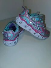 Toddler Girls Sketchers Light Up Shoes Size 11 hearts (A)