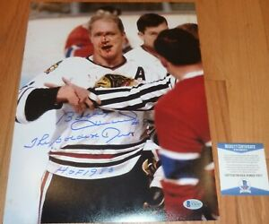 BECKETT BOBBY HULL BLOODY FACE CHICAGO BLACKHAWKS AUTOGRAPHED-SIGNED 11X14 PHOTO