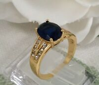 Vintage Jewellery Gold Ring with Dark Blue and White Sapphires Antique Jewelry