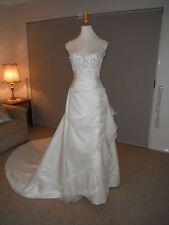 Designer La Sposa Ivory Sequin/Beaded Wedding Gown Size US 8