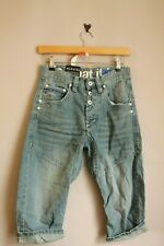 GOI GOI KNEE LENGTH DENIM SHORTS WITH TWISTED CARROT FIT LIGHTWASH RETRO CASUAL