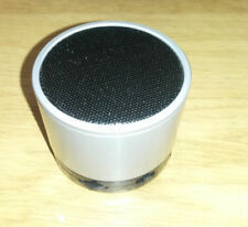 Bases de audio y mini altavoces de plata para reproductores MP3 Universal