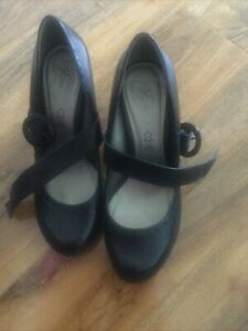 Ladies Black Leather Mary Jane Style Shoes Size 8 New Look