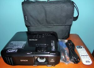 Epson Pro EX9220 Wireless Projector and Travel Case Bundle Near Mint 265 Hours