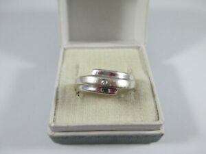 LOVELY PRE-OWNED, 9ct YELLOW & WHITE GOLD 0.01ct DIAMOND RING UK SIZE Q  3.1g