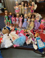 Huge Lot of Vintage Barbie Dolls Clothes and Accessories 80s 90s
