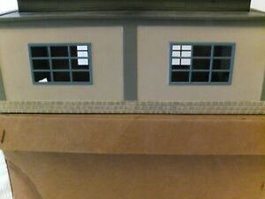 Marklin HO 7029 engine shed in original box, with double tracks, untested
