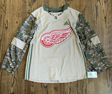 Adidas Detroit Red Wings Camo Veterans Day Jersey Sweater, Size XL 54 NWT $130